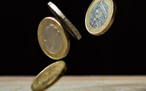 Finance: varčni dom in Eko sikladi